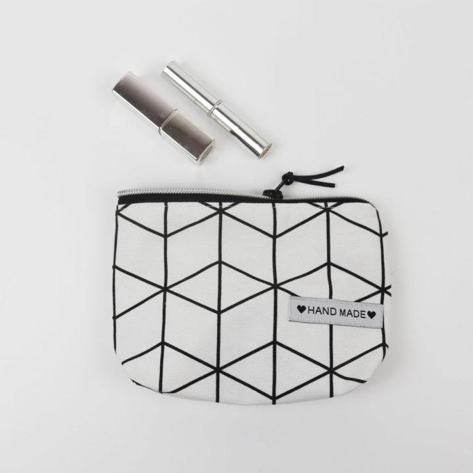 Kosmetiktasche klein - Linien schwarz/weiß