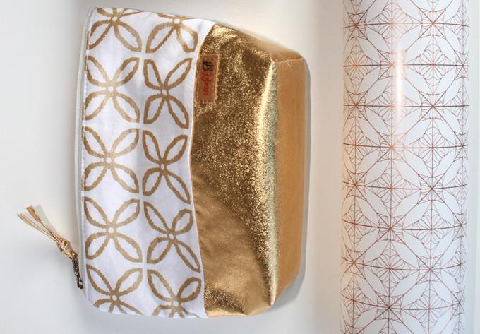 Täschchen aus Baumwolle und Goldstoff
