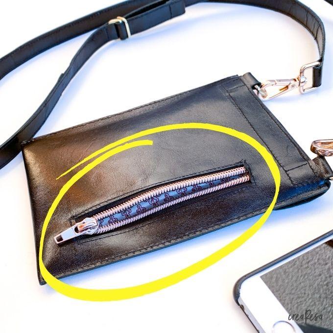 Außentasche mit Reißverschluss in Leder